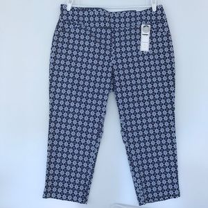 Charter Club Patterned Pull On Capri Pants Blue 18